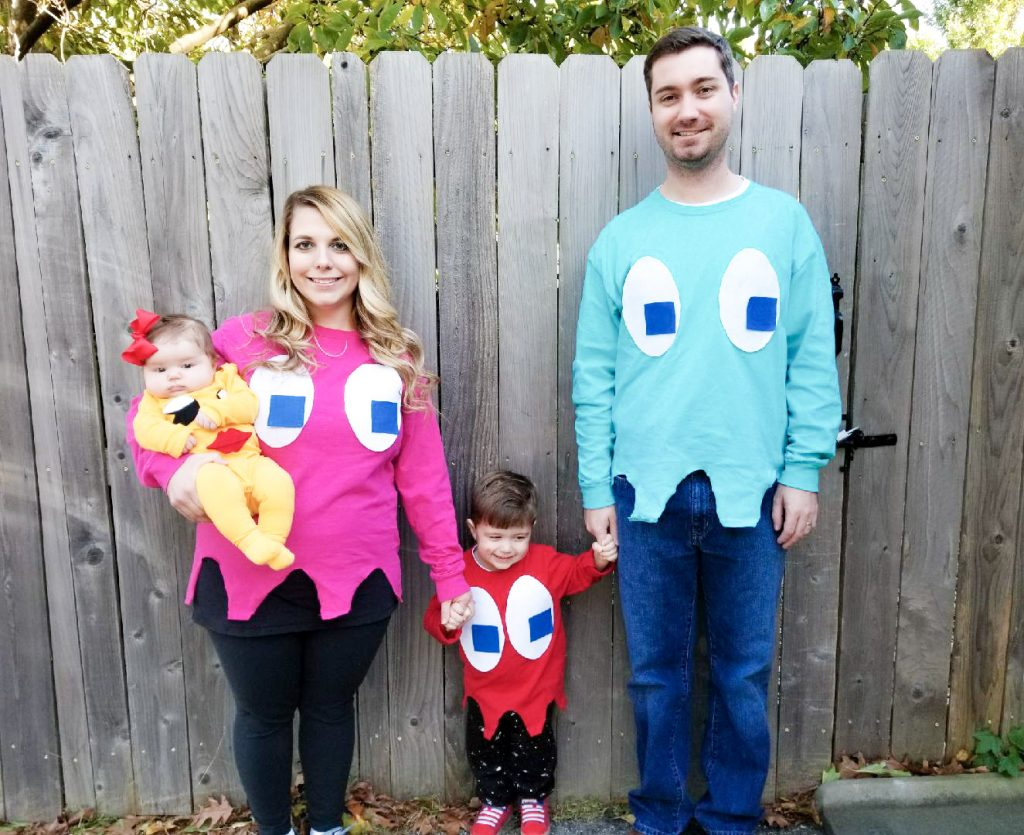 ms pacman and ghosts costumes heres a diy family halloween costume idea that is