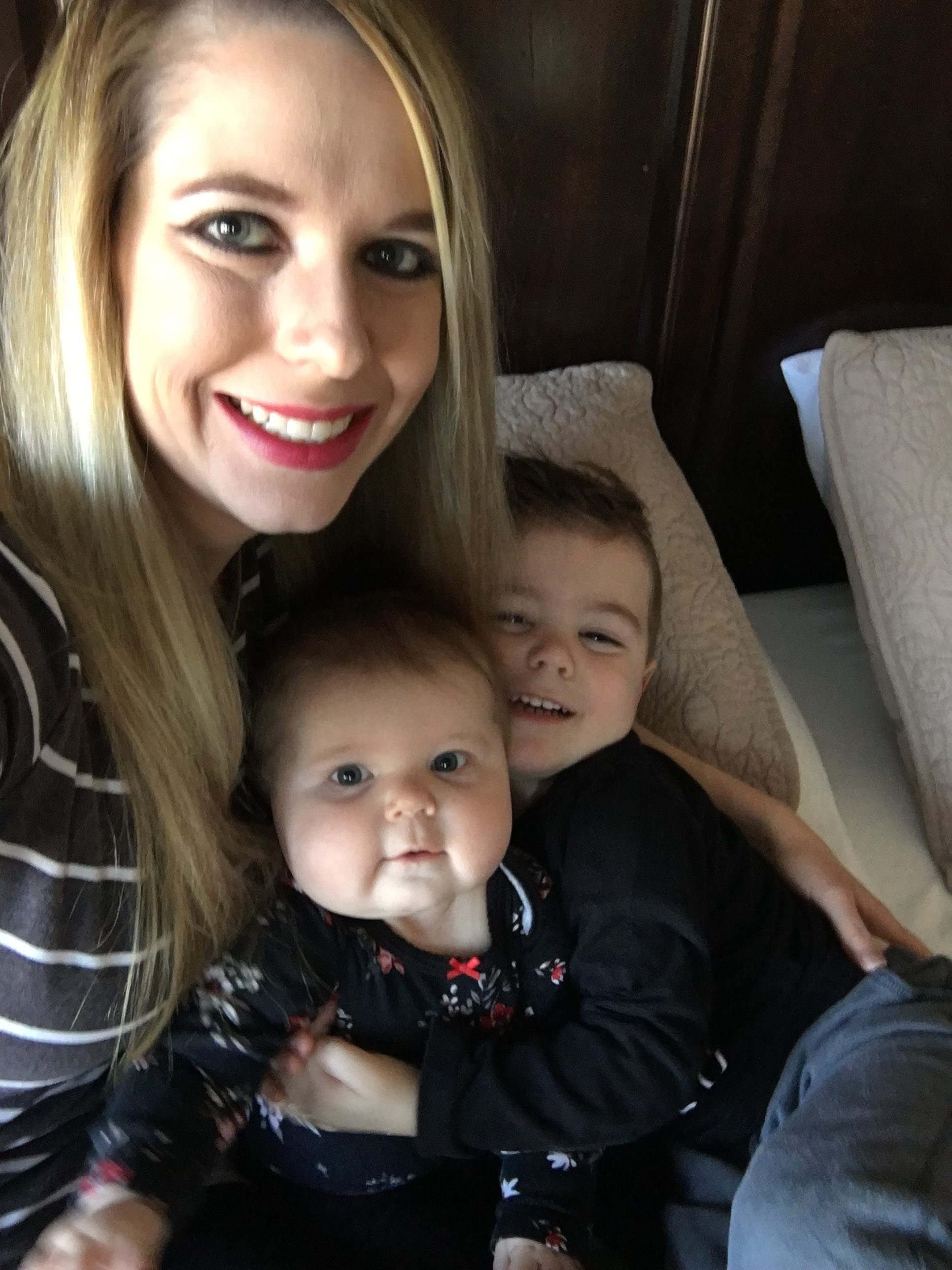 Day in the Life of a Stay-at-Home Mom of 2! Ever wondered what a SAHM does all day? How do moms of 2 schedule their day? How do you keep 2 kids busy all day? Here's a typical day in the life of a SAHM to 2!