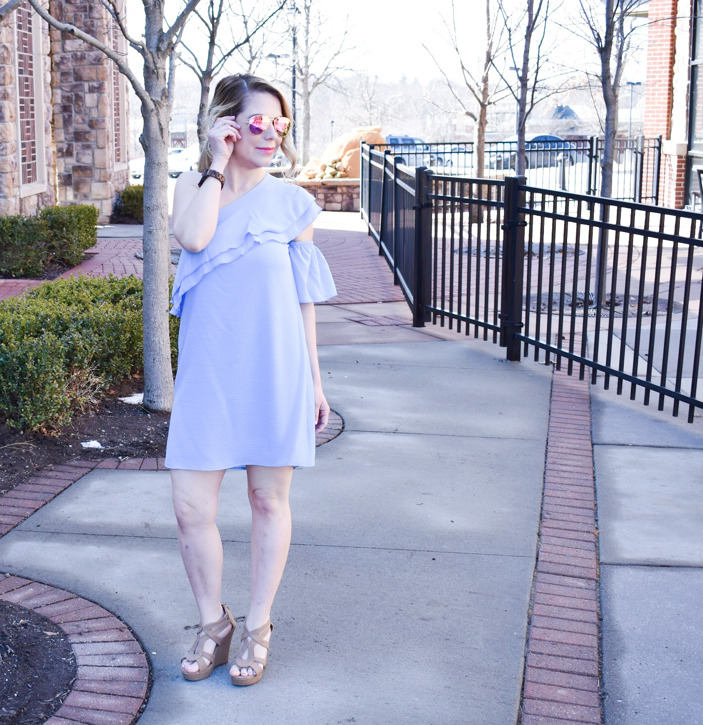 Top 5 Spring Fashion Trends 2018 - Wondering what the top spring trends will be in 2018? Fashion blogger COVET by tricia shares her top 5 spring must-haves to get you ready for warmer weather! From clothes to accessories, here's what your closet needs to be ready for spring 2018.