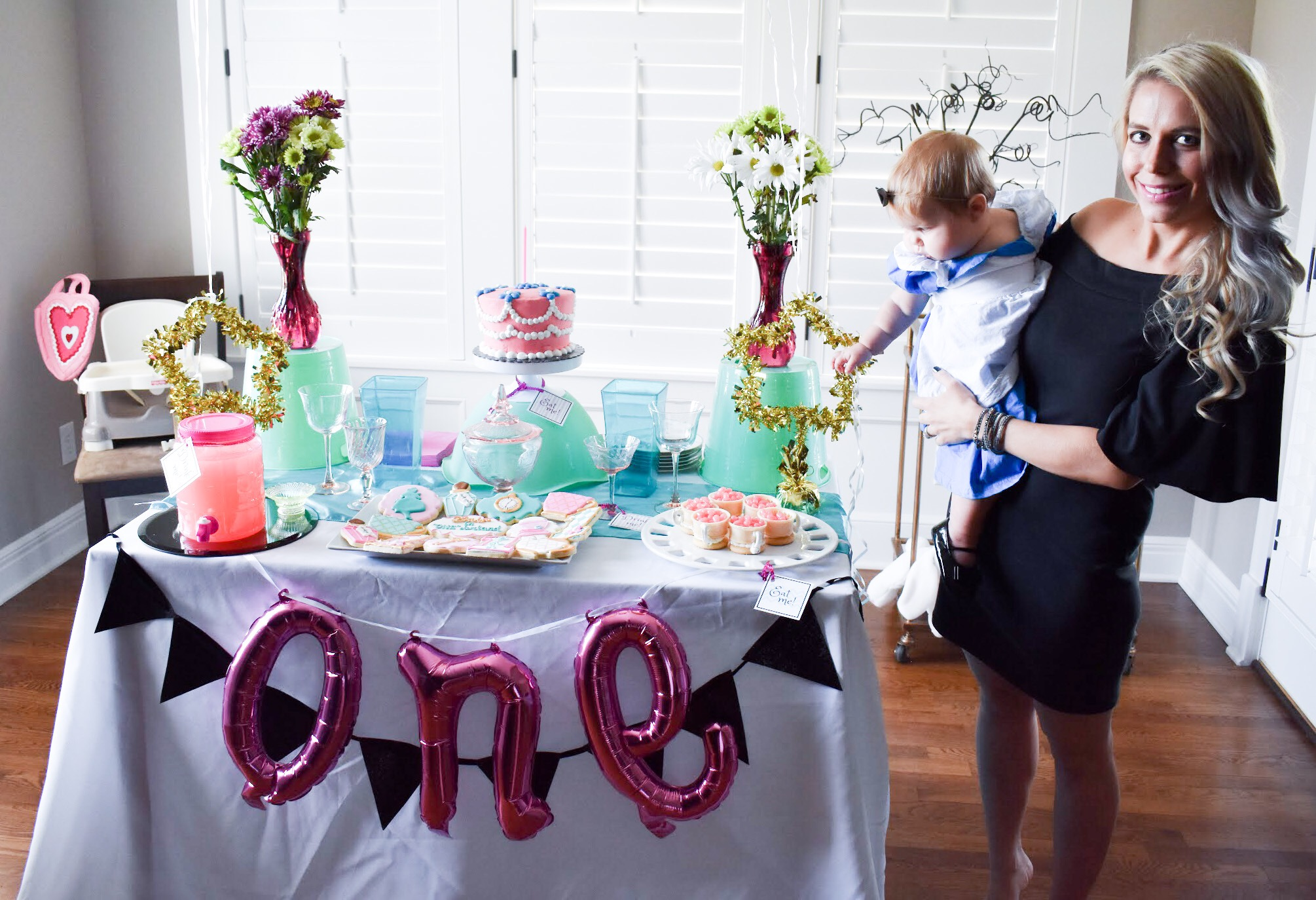 Alice in ONEderland Birthday Party - Alice in ONEderland First Birthday Party - Alice in Wonderland Birthday Party - Alice in Wonderland First Birthday Party - Inspiration, Decor, Ideas, Inspo, Decorations, Smash Cake, Cookies, Dessert Table, Desserts, Quotes, Photos, and more for your Alice in ONEderland themed First Birthday Party, one of the cutest first birthday party themes for girls I've ever seen! #AliceinWonderland #AliceinONEderland #BirthdayParty #FirstBirthday #PartyIdeas