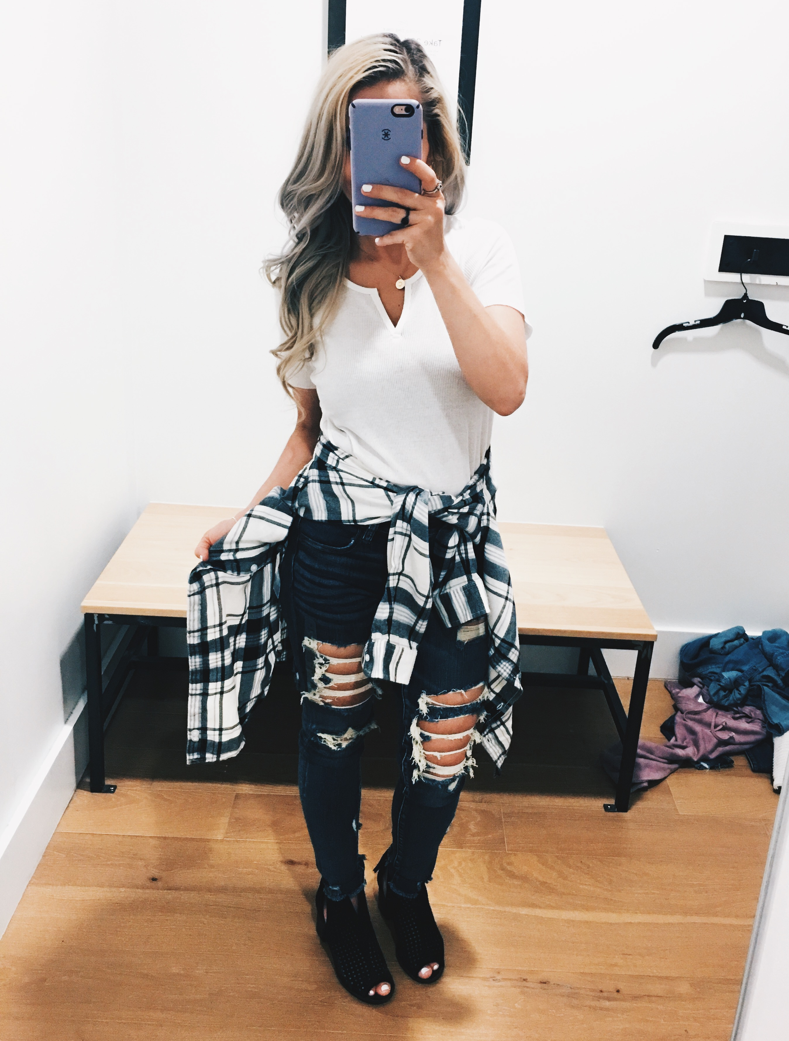 American Eagle Try On Fall 2018 - AE Try On Haul 2018 - American Eagle Try On Session - AE Try On Session - Petite fashion blogger showcases fall 2018 looks from American Eagle, including AE jeans, AE sweaters, and some perfect plaids! #LikeTKit #LTKunder50 #LTKunder100 #FashionBlogger #AExME