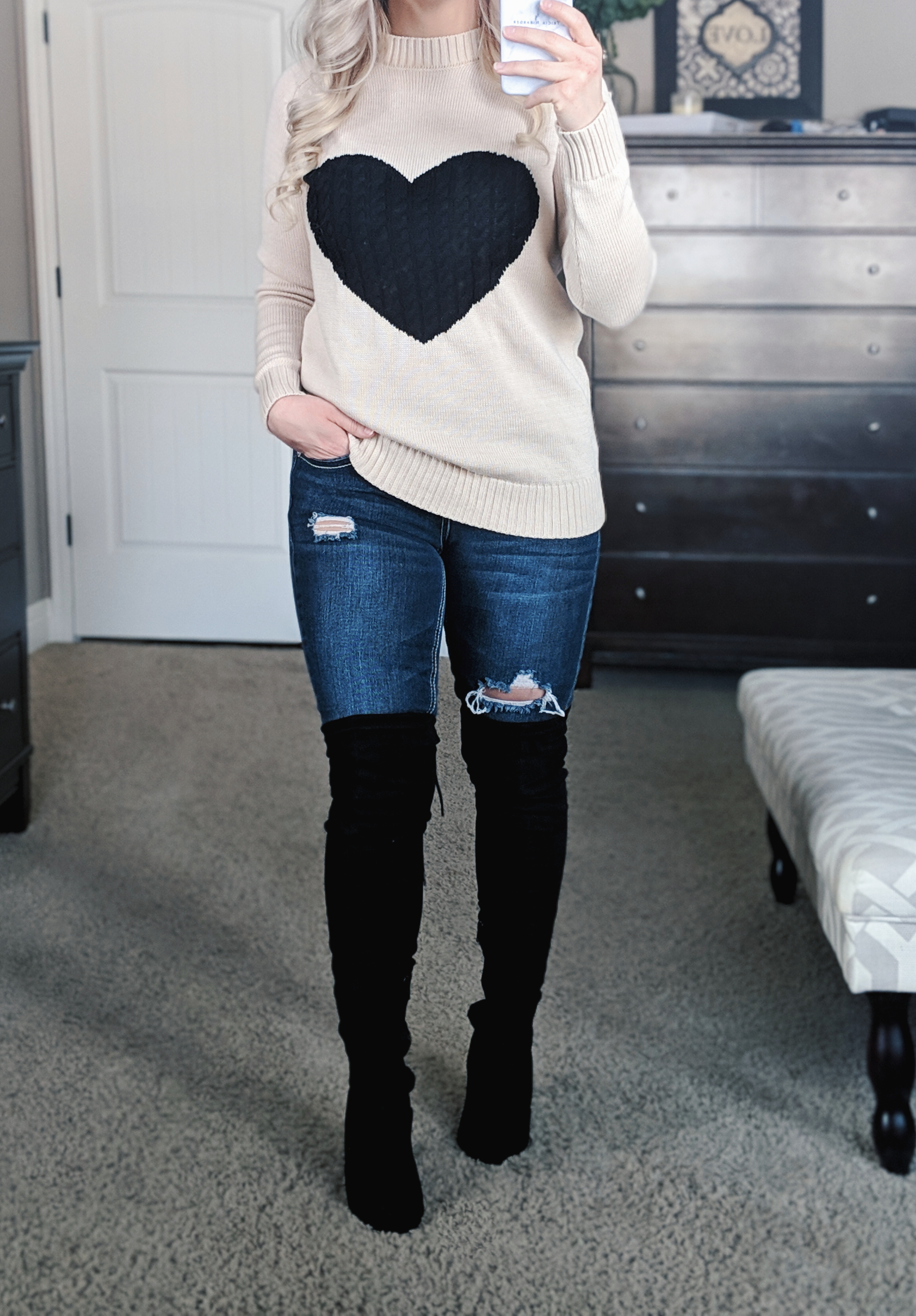 Cute Valentine's Day Outfit Ideas for Women: 5 affordable outfits from Amazon that will be perfect for Valentine's Day 2019! This fashion blogger try-on haul includes sexy Valentine's Day outfits, heart sweaters, heart pom cardigans, and more. Get the cutest affordable fashion for Valentine's Day with these inspiring looks!