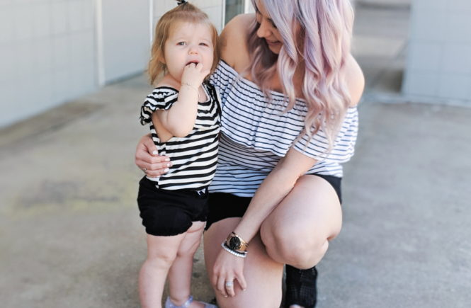 Affordable Mommy and Me Twinning Outfit Ideas: Matching outfits for mom and daughter that you can create with items already in your closets! How to get in on the trend of matching your kids affordably! Cute Mommy and Me twinning outfits 2019. #girlmom #mommyandme #twinning