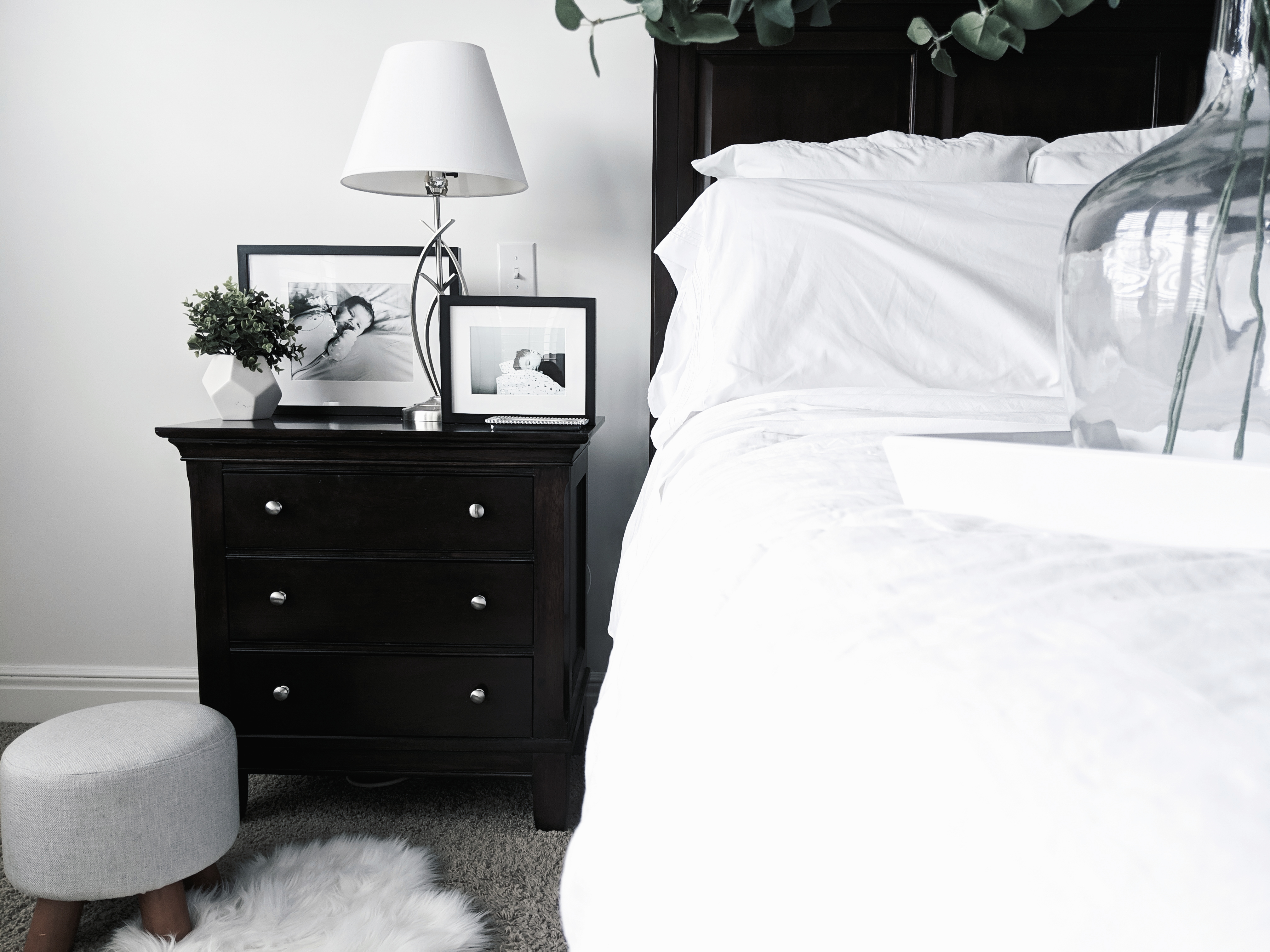 Black and White Master Bedroom Ideas: Inspiration for a monochrome master bedroom with classic black and white decor. Keep your bedroom sleek and modern with this chic black and white decor. The best part: all sources are affordable! Master bedroom inspo, master bedroom decor, white bedding, white bedroom. #MasterBedroom #HomeDecor #Modern #LTKhome