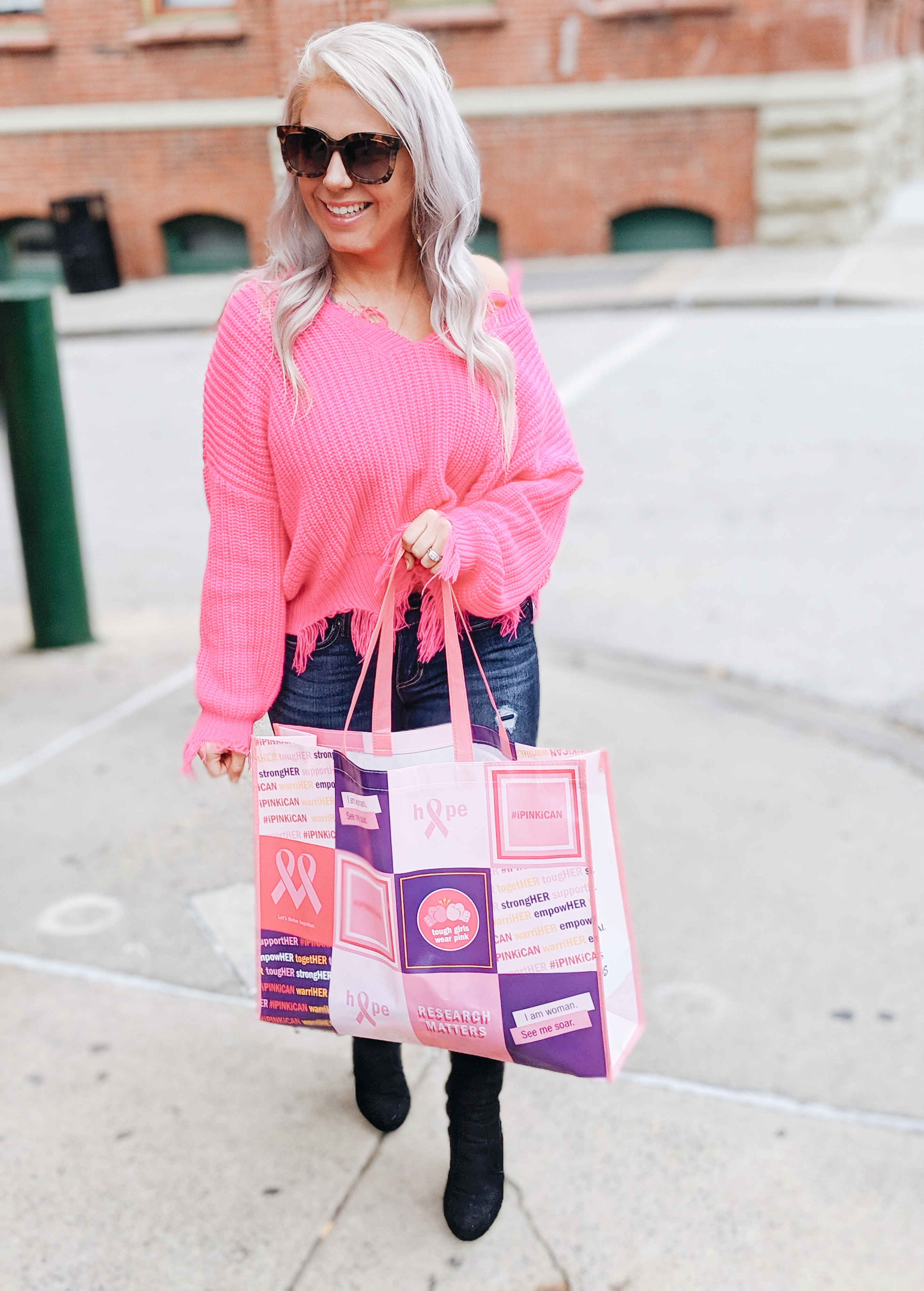 How to Support a Loved One with Breast Cancer: 5 Ways to Support Someone with Breast Cancer, in honor of Breast Cancer Awareness Month. Gordmans is teaming up with the Breast Cancer Research Foundation to make it easier than ever for everyone to make a difference. Read on to find out how! #sponsored #ipinkican #breastcancer #cancer #pinkoctober