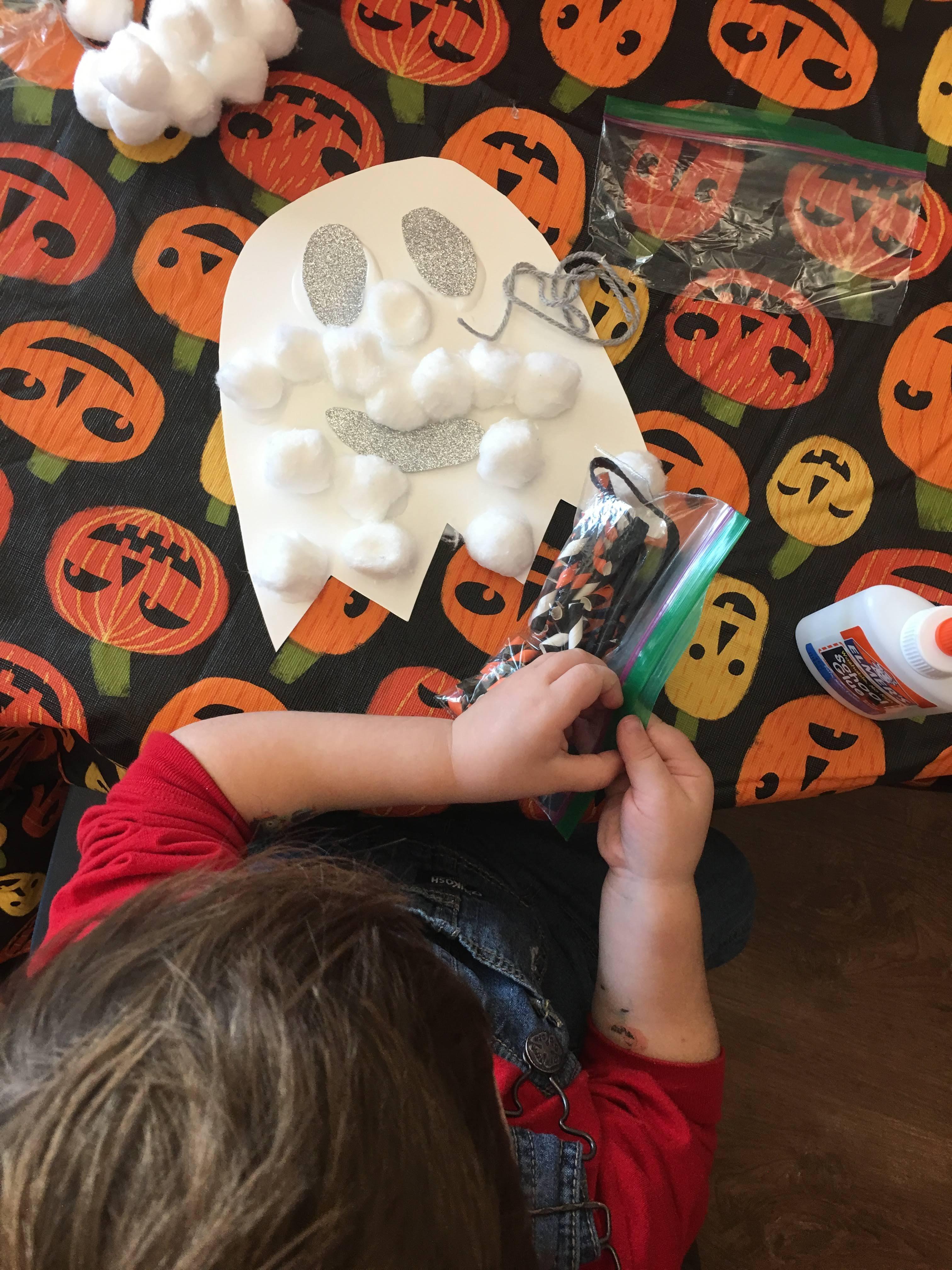 Preschool Halloween Party Plans: A full plan for a preschool Halloween party! Looking for preschool Halloween party ideas? Here's everything you need to plan a preschool Halloween party! #preschool #halloweenparty #halloween