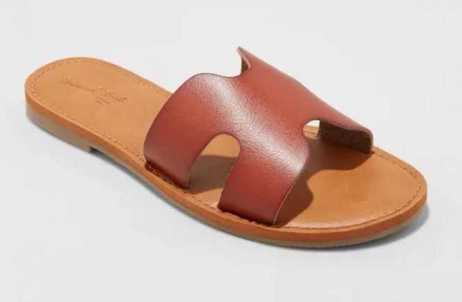 Best Hermes Sandals Dupes - Hermes Oran Dupes - Hermes Sandal Dupes: We scoured the Internet for the best Hermes sandal dupes and rounded up 10+ options for this in-depth post! #designerdupes #designerdupe #hermesdupes