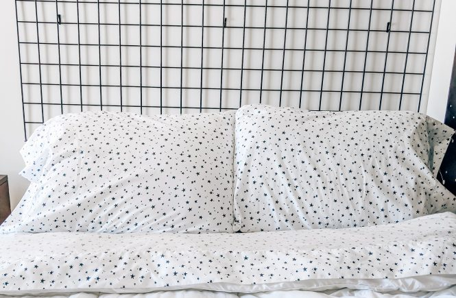 DIY Grid Headboard - DIY Headboard Ideas - Genius DIY modern headboard ideas that are actually affordable! #headboard #scandinavian #modern #minimalist